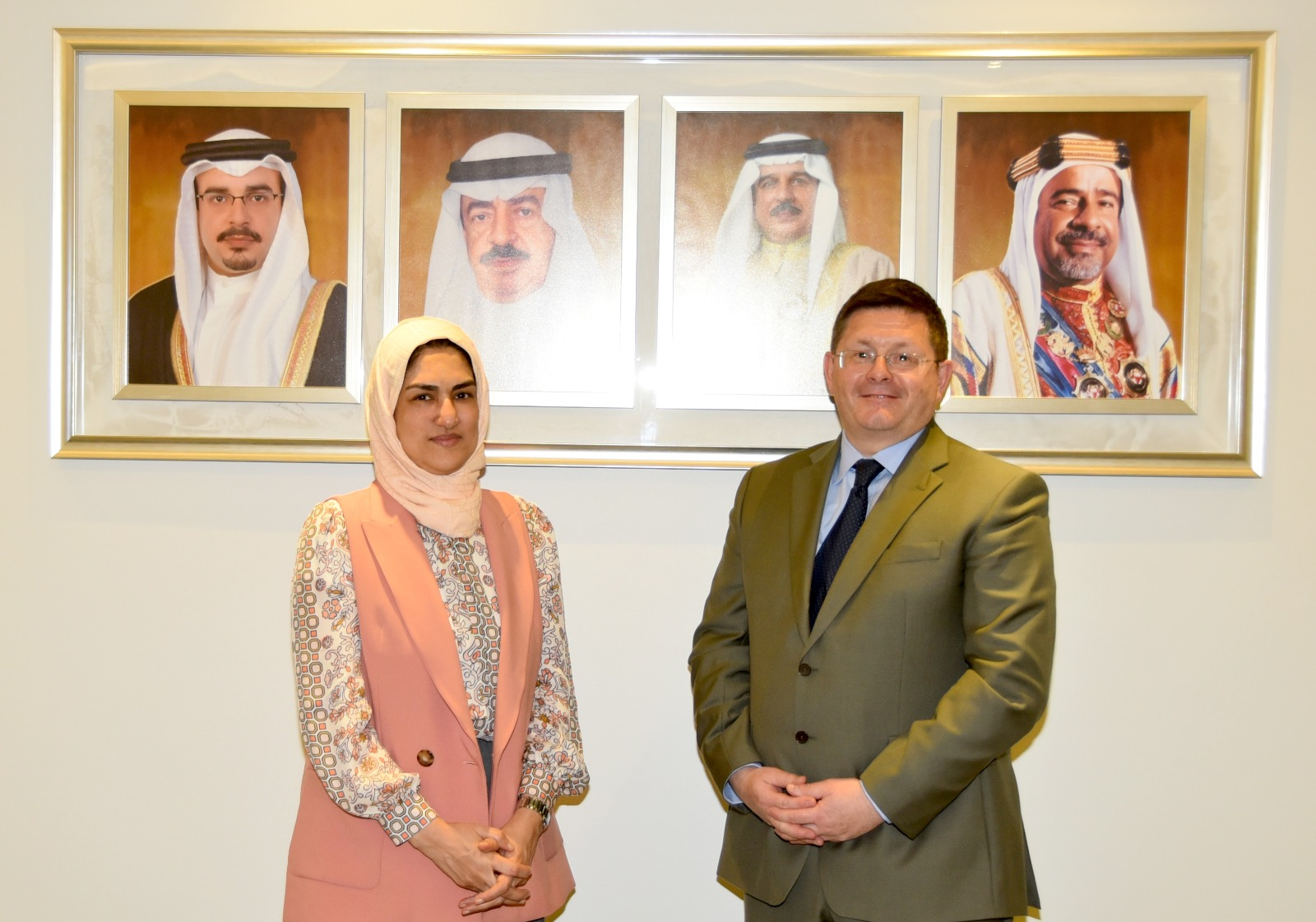 UK ambassador briefed on Bahrain's efforts to elevate status of women